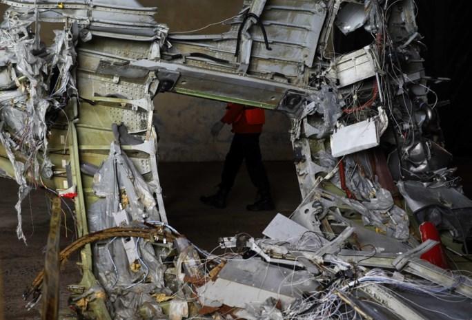 Duikers ontdekken drie lichamen in romp vliegtuig AirAsia