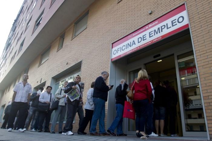 Spaanse werkloosheid blijft traag dalen