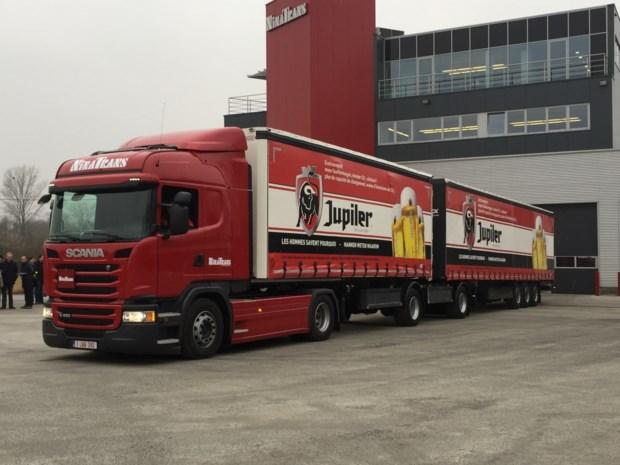 Eerste 'supertruck' toegelaten op Vlaamse wegen voorgesteld door AB InBev