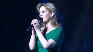 Beklijvend duet: Maaike Cafmeyer zingt Luc De Vos