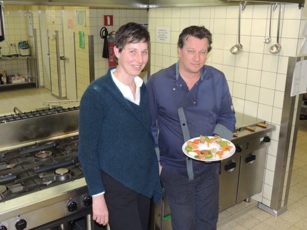 Dementen Cantershof eten met hun handen in fingerfood-project