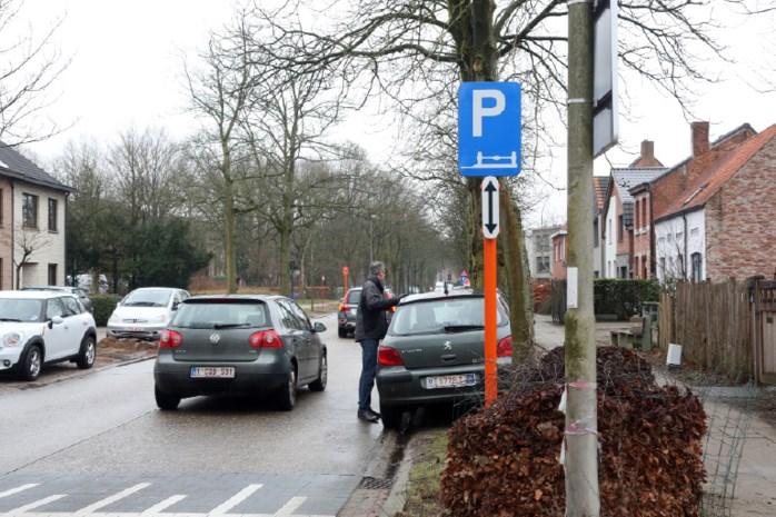 Heibel rond verbod op bermparkeren