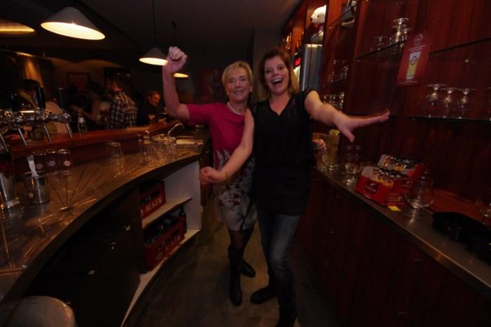 Floere Foefkes treden op in café de Werft