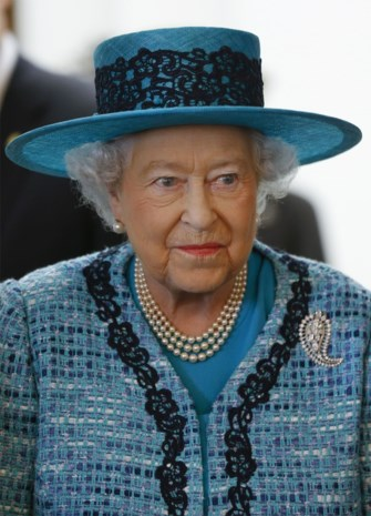 Krenterige Queen zoekt chauffeur
