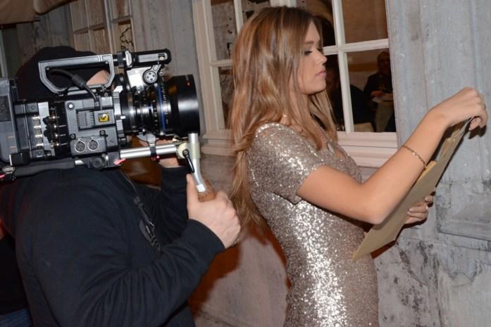 Miss België met geweer in de hand gefilmd