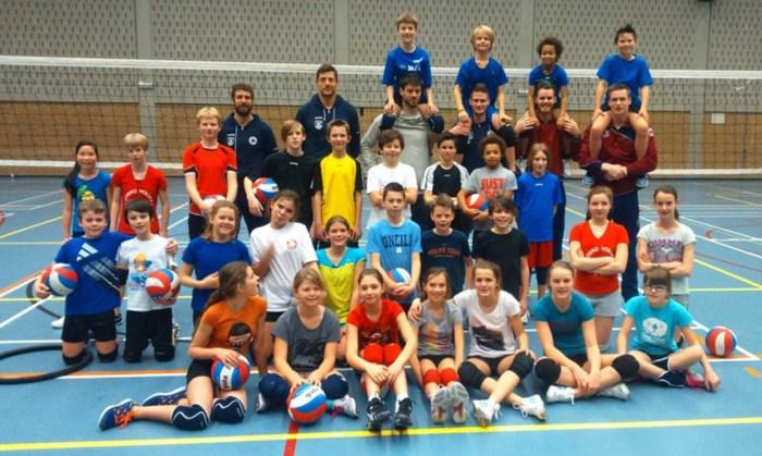 Topvolley Callant Antwerpen bij jonge beloften op bezoek