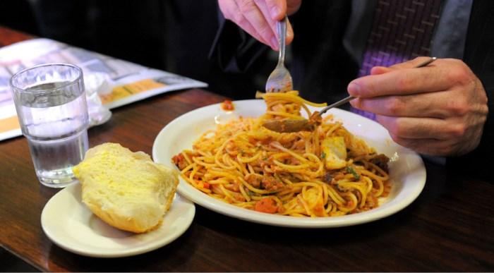 Chiro serveert hele weekend spaghetti