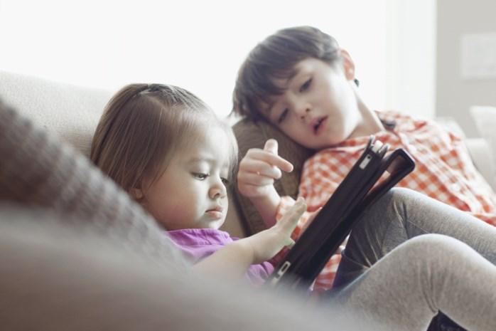 Jonge kinderen gamen vaker en langer