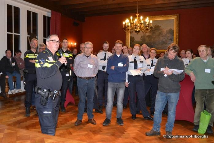 Zone Grens en Nederlandse politie overleggen met buurtpreventieteams