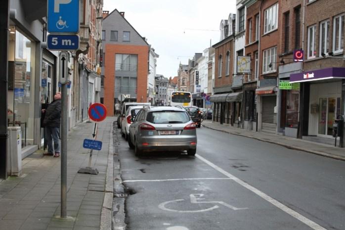 Heraanleg voetpaden in Rechtestraat
