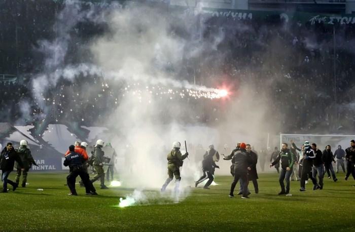 Griekse voetbalcompetitie hervat achter gesloten deuren