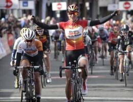 Chantal Blaak zegeviert in GP Samyn voor vrouwen