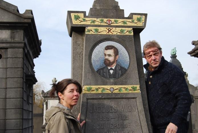 Herman De Conick krijgt nieuwe grafsteen in mozaïek