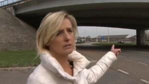 Vrouw die Stevaert aan kanaal zag: