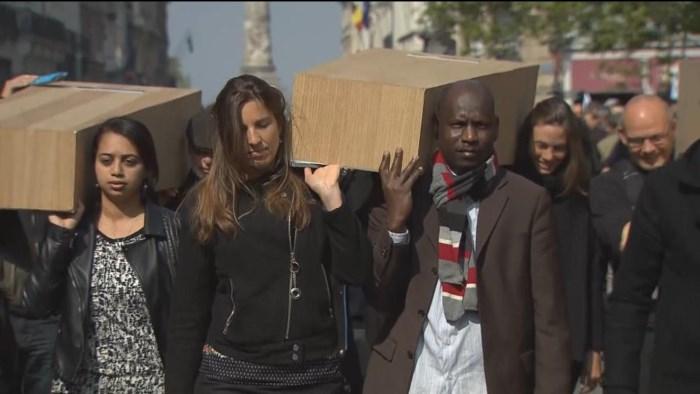 Zo lang het probleem niet bij de wortel wordt aangepakt, zullen er stromen vluchtelingen naar Fort Europa komen.