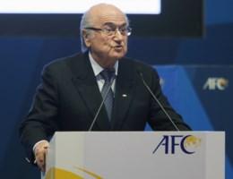 FIFA-voorzitter Sepp Blatter drukt medeleven uit aan Gregory Mertens