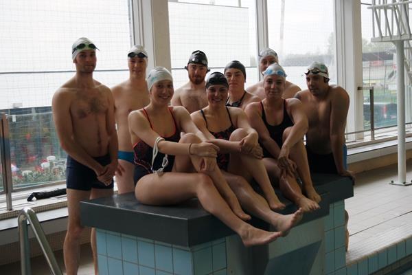 Charity Channel Swimming Team stilaan in vorm voor grote oversteek