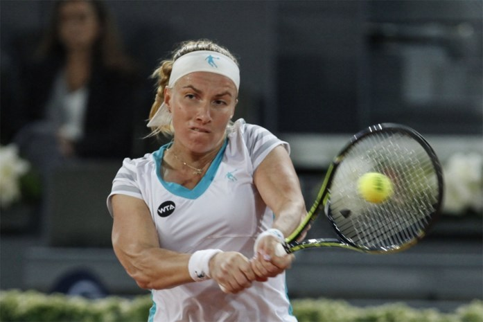 Kuznetsova klopt titelverdedigster Sharapova in halve finales in Madrid