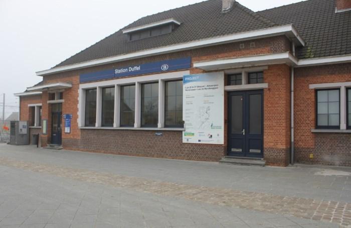 Nieuwe parking voor station Duffel vandaag geopend