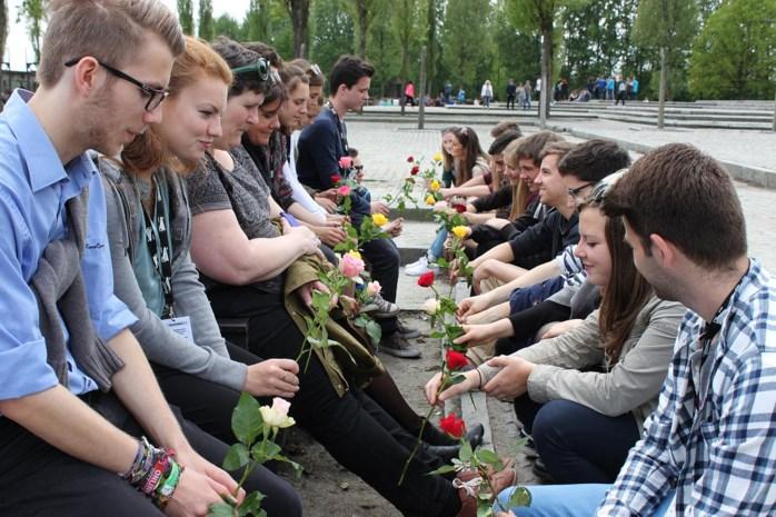 Studenten Ursulinen onder de indruk van genocide Tweede Wereldoorlog