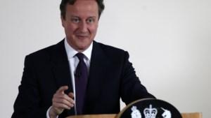 Cameron belooft 'meedogenloze strijd' tegen 'illegalen'