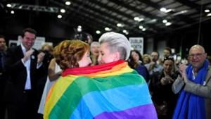 Ruim zestig procent van Ieren zegt 'ja' aan homohuwelijk