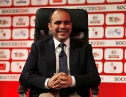Tegenstander van FIFA-voorzitter Blatter: 'Dit kan zo niet verder'