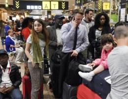 Luchtvaartmaatschappijen 'verbijsterd' over panne