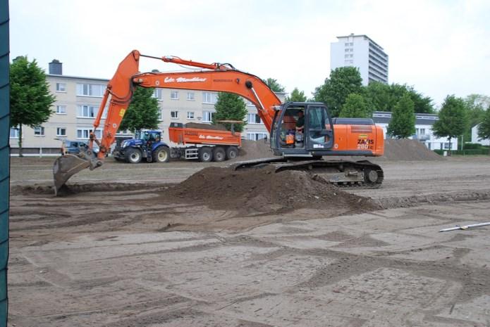 Aanleg kunstgrasveld VK Valaarhof is gestart