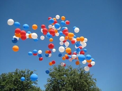 Ballonnen tegen tabak gaan de lucht in