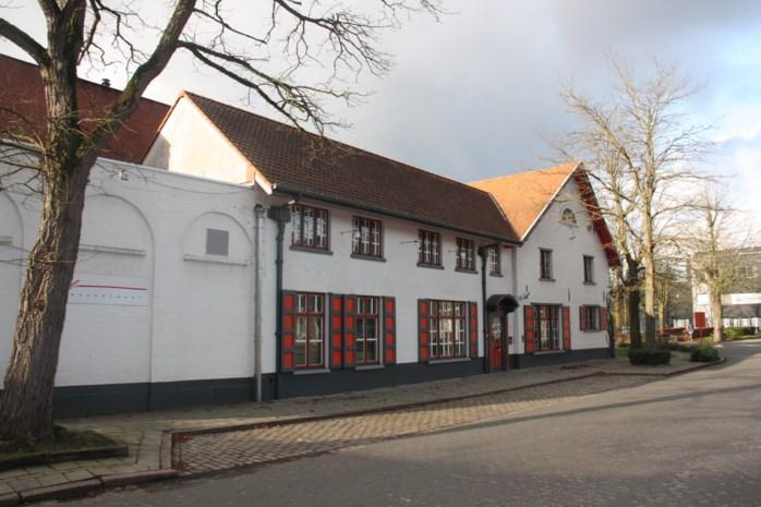Rozenhoeve achter gemeentehuis wordt sociale brasserie