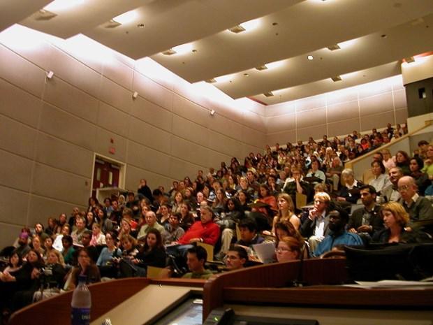 Studenten en experts debatteren over diversiteit in het onderwijs