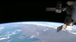 ISS vermijdt botsing met ruimteschroot