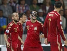 Spanje moeizaam voorbij Wit-Rusland, Zlatan scoort er twee