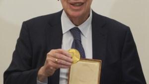 Nobelprijswinnaar heeft zijn medaille terug