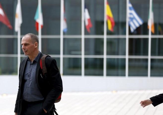 Varoufakis: 'Het is aan Merkel om moeilijke keuze te maken'