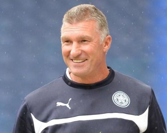 Leicester City zet coach Nigel Pearson op de keien ondanks miraculeuze redding