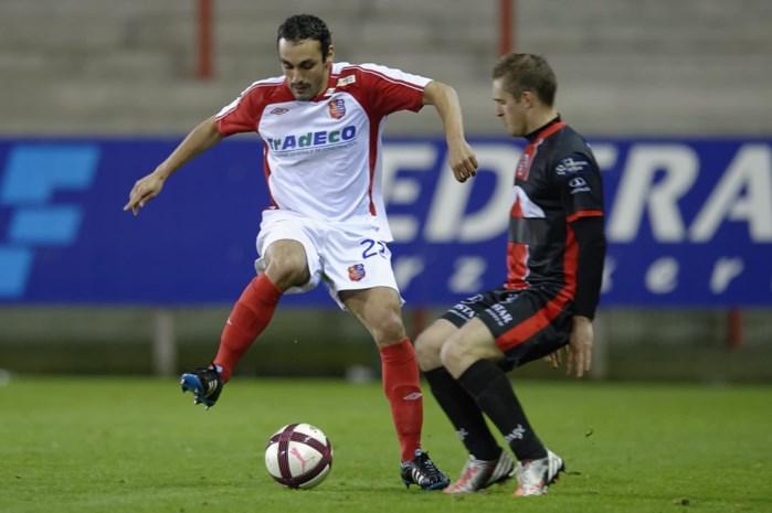 Antwerp ontbindt contract Khiter