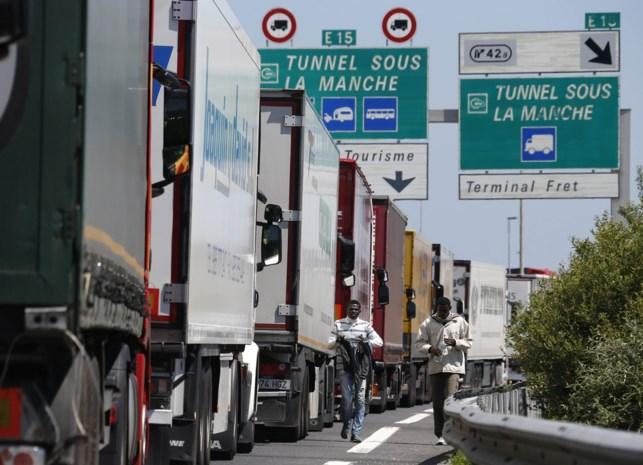 Alle opritten E40 tussen Jabbeke en Franse grens afgesloten