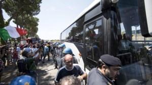 Italiaanse neofascisten op straat tegen migranten