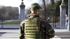 Aantal militairen aan ambassades opgetrokken
