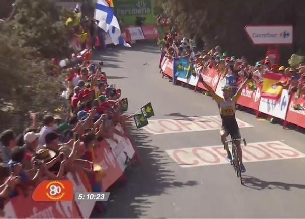 Lindeman wint bloedhete bergetappe in Vuelta, Froome moet passen