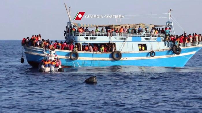 Twee boten gekapseisd voor Libische kust: vrees voor honderden doden