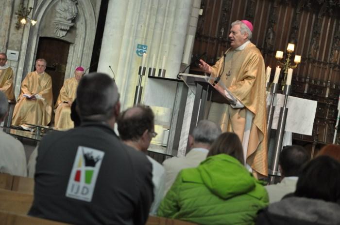Hulpbisschop lanceert oproep voor opvangplaatsen vluchtelingen