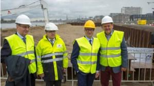 Minister Ben Weyts geeft startschot voor heraanleg kaaimuur