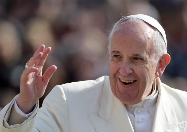 Paus roept elke parochie in Europa op om vluchtelingen op te vangen