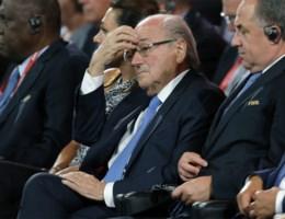 Sepp Blatter wordt 90 dagen voorlopig geschorst als Fifa-voorzitter