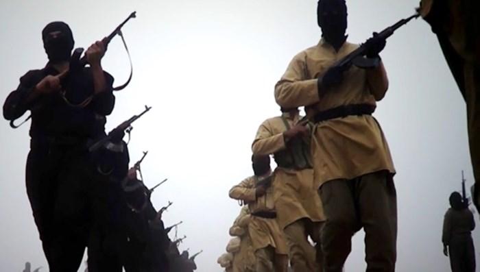 Uitgelekt: Zo komt IS écht aan geld