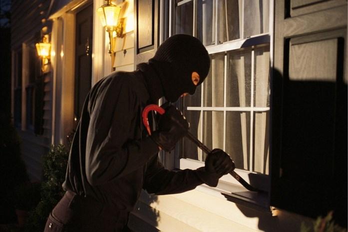 Bewoners betrappen inbreker op heterdaad