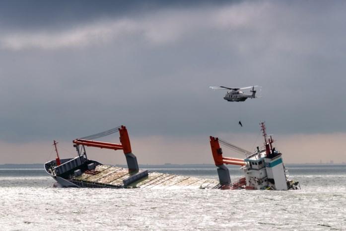 Rederij geeft gezonken schip op, maar olielek onder controle